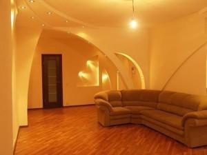 Внутренняя и внешняя отделка дома из СИП панелей – фото